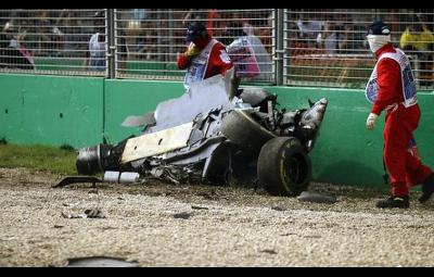 Alonso - accident spectaculos Melbourne