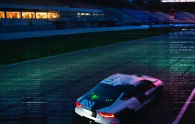 Audi RS 7 condus de la distanta
