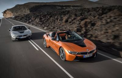 Noile BMW i8 Roadster și i8 Coupe facelift