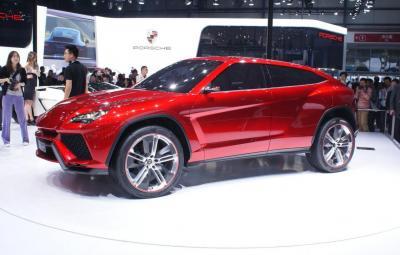 Lamborghini Urus - motor turbo