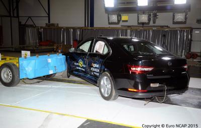 Noua SKODA Superb - cinci stele Euro NCAP