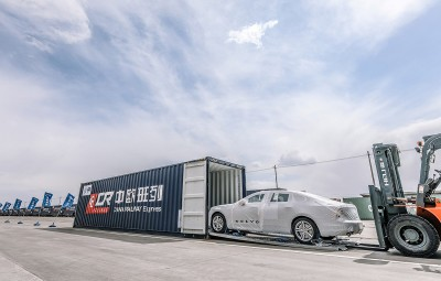 "Volvo S90 ""Made in China"" exportat in Europa"