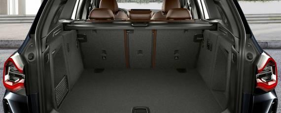 BMW iX3 facelift (08)