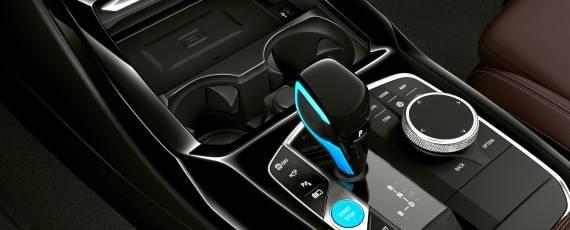 BMW iX3 facelift (07)