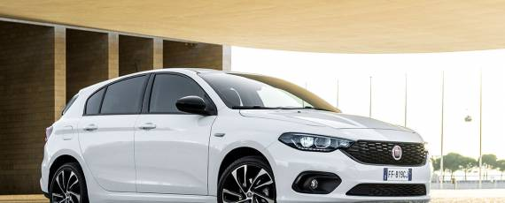 Fiat Tipo S-Design - Hatchback (01)