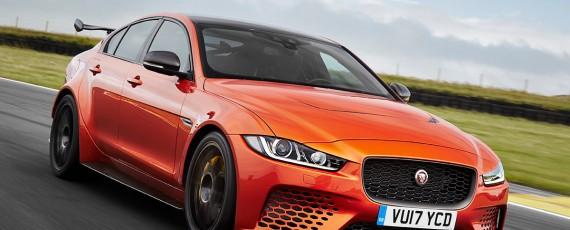 Jaguar XE SV Project 8 (01)