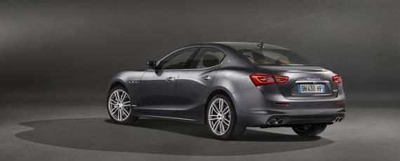 Maserati Ghibli GranLusso (02)