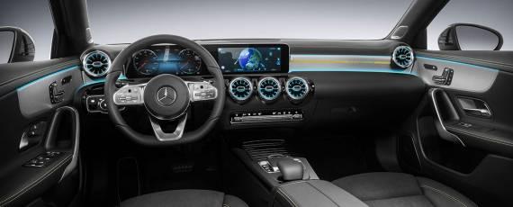 Mercedes-Benz A-Class 2018 - interior (01)