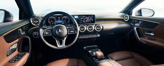 Mercedes-Benz A-Class 2018 - interior (02)