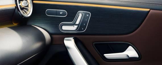Mercedes-Benz A-Class 2018 - interior (07)