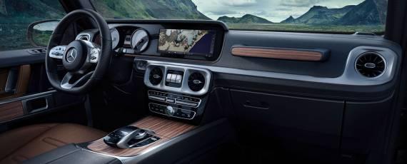 Mercedes-Benz G-Class 2018 - interior (03)