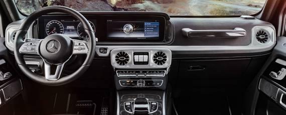 Mercedes-Benz G-Class 2018 - interior (07)