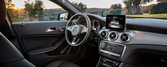 Mercedes-Benz GLA facelift - interior (02)