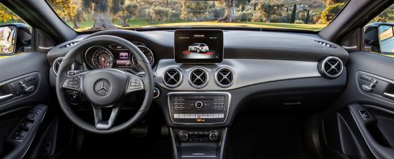 Mercedes-Benz GLA facelift - interior (01)