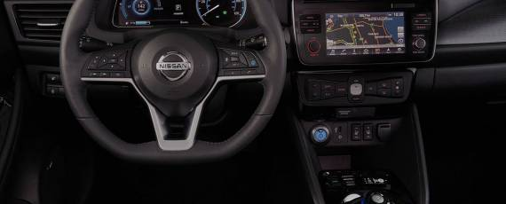 Nissan LEAF 2018 (15)