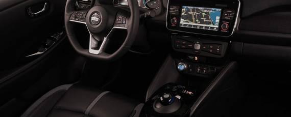 Nissan LEAF 2018 (14)