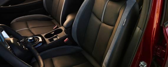 Nissan LEAF 2018 (17)