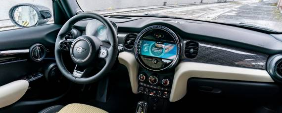 Noul MINI Hatch 5 uși (04)