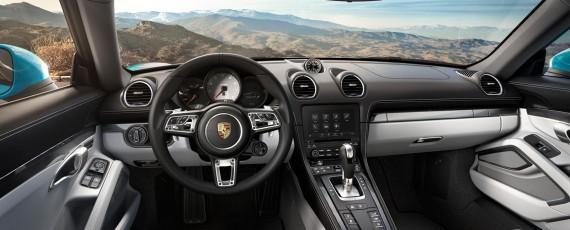 Noul Porsche 718 Cayman S - interior