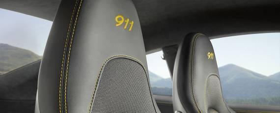 Porsche 911 Carrera T (10)