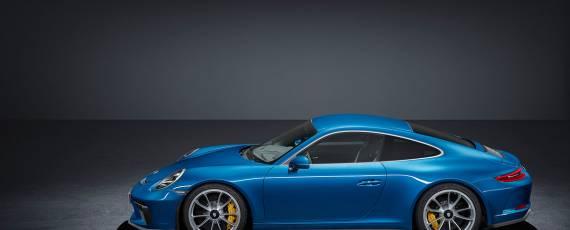 Porsche 911 GT3 Touring Package (01)