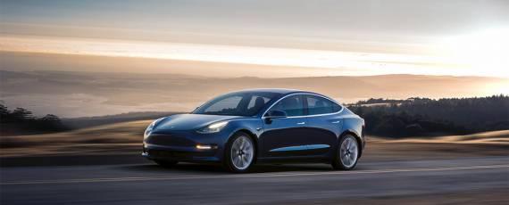 Tesla Model 3 - primele livrari (01)