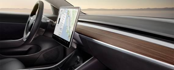 Tesla Model 3 - primele livrari (04)