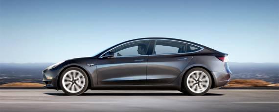 Tesla Model 3 - primele livrari (02)