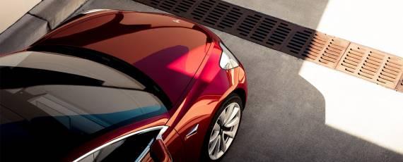 Tesla Model 3 - primele livrari (03)
