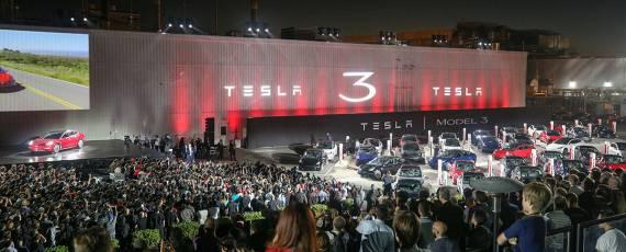 Tesla Model 3 - primele livrari (09)