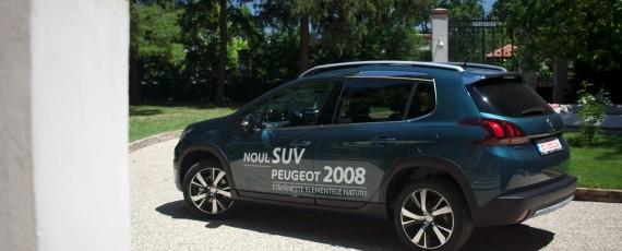 Test Peugeot 2008 facelift 1.2 PureTech 110 (02)