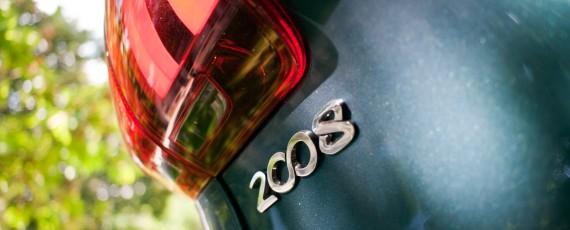 Test Peugeot 2008 facelift 1.2 PureTech 110 (08)