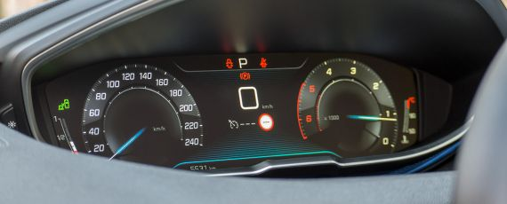 Test Peugeot 3008 1.6 BlueHDi 120 EAT6 (26)