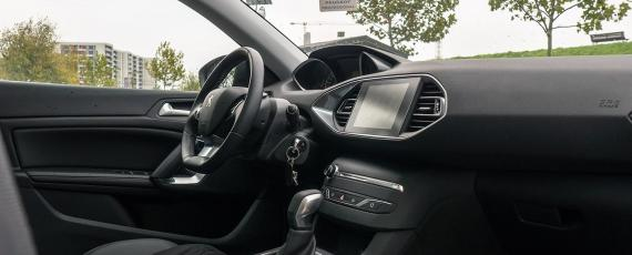 Test Peugeot 308 1.2 PureTech 130 EAT6 (16)
