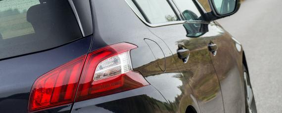 Test Peugeot 308 1.2 PureTech 130 EAT6 (09)