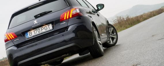 Test Peugeot 308 1.2 PureTech 130 EAT6 (04)