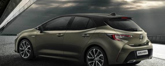 Toyota Auris 2018 (03)
