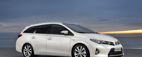 Auris Touring Sports - lateral