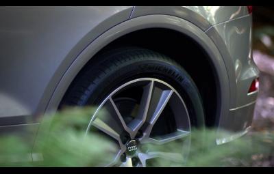 Audi Q5 2017 - suspensie pneumatica