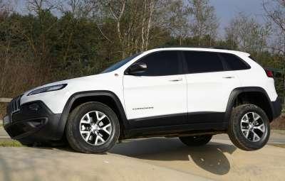 Jeep Cherokee - probleme grave siguranta