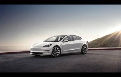 Tesla Model 3 - primele livrari