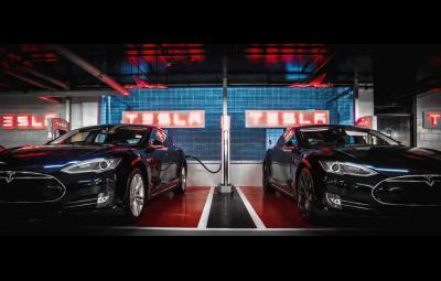 Tesla 2.000 Superchargers