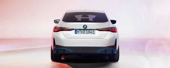 Noul BMW i4 (04)