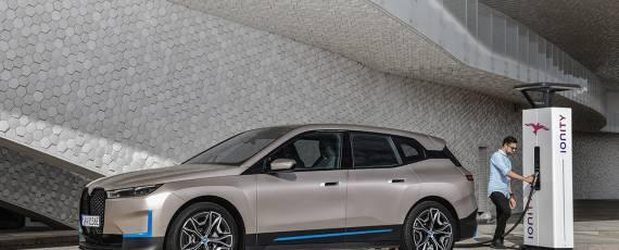 Noul BMW iX (02)