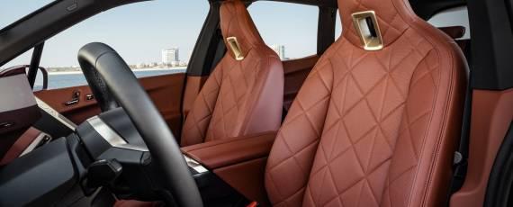 Noul BMW iX (05)