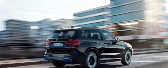 BMW iX3 facelift (02)