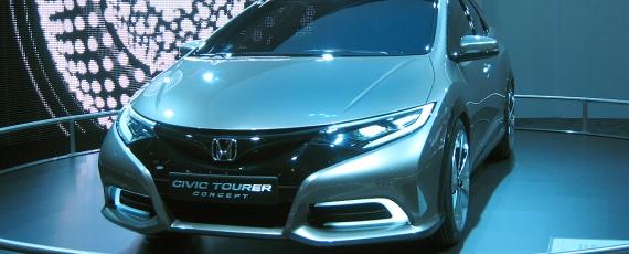 Honda Civic Tourer - fata