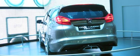 Honda Civic Tourer - spate