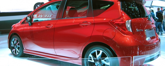 Nissan Note - lateral spate