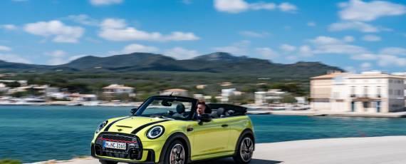 MINI John Cooper Works Cabriolet 2021 (01)